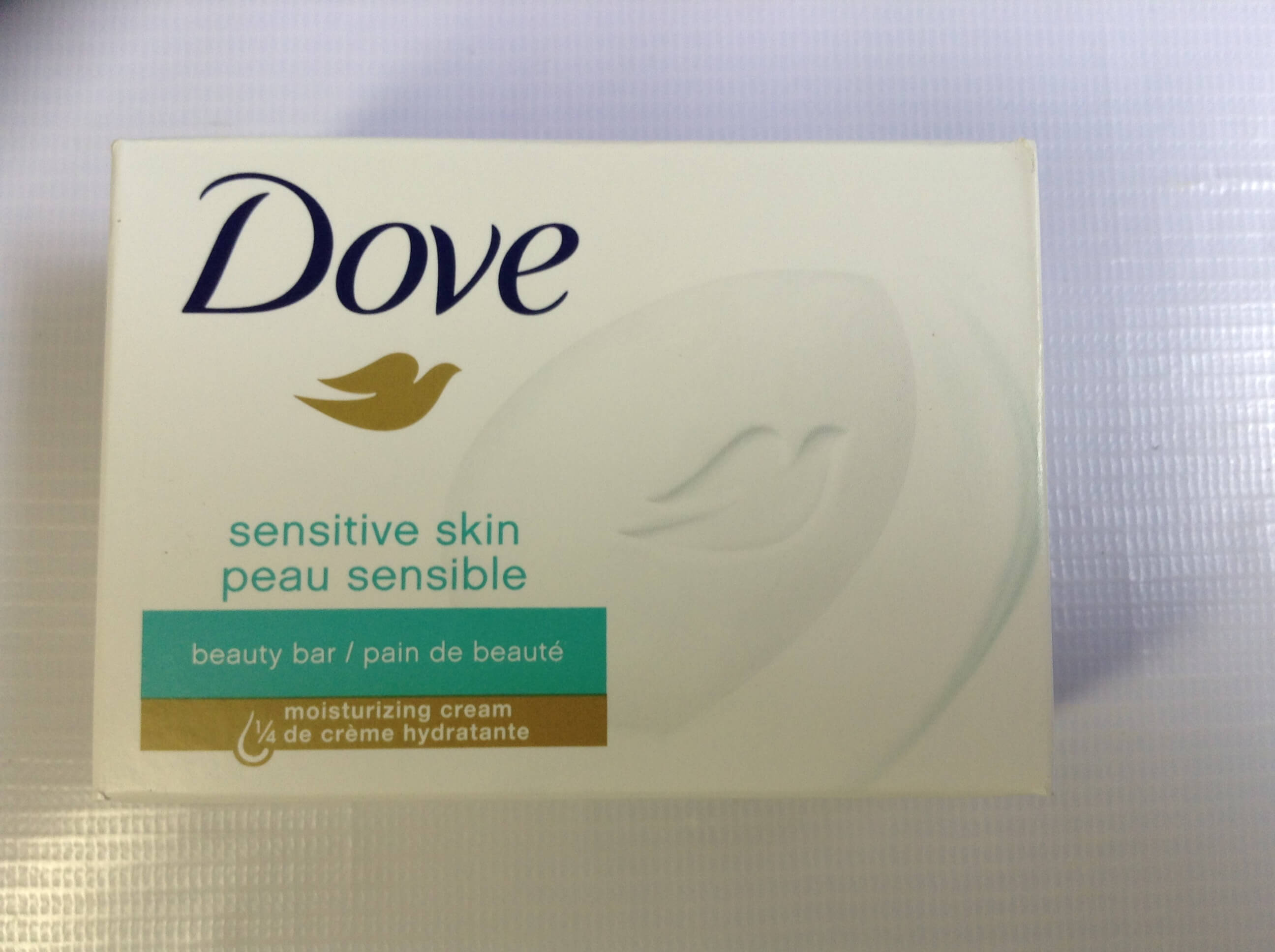 Xà bông cục  Dove SENSITIVE SKIN PEAU SENSIBLE 113 GR