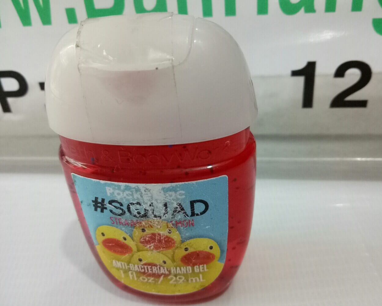 Gel rửa tay khô Bath and Body Works PocketBac SQUAD STRAWBERRY LEMON 29ML
