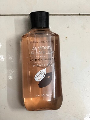 GEL Tắm ALMOND & VANILA WITH NATURAL ALMOND OIL 295ML