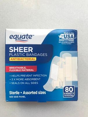 Băng Keo cá nhân Hiệu EQUATE SHEER PLASTIC BANDAGES  80 VARIETY BANDAGES